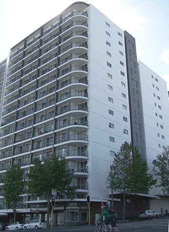 Aura Apartments pic 1